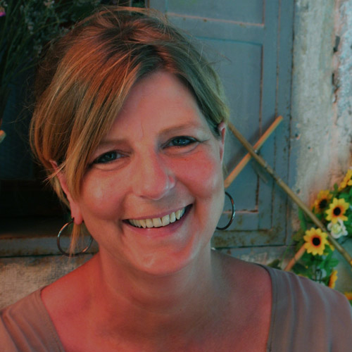 Ingrid Diender Over Blossom
